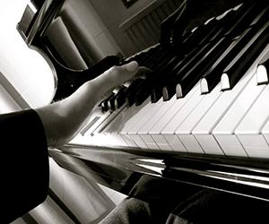 Piano Lessons - Harmonium